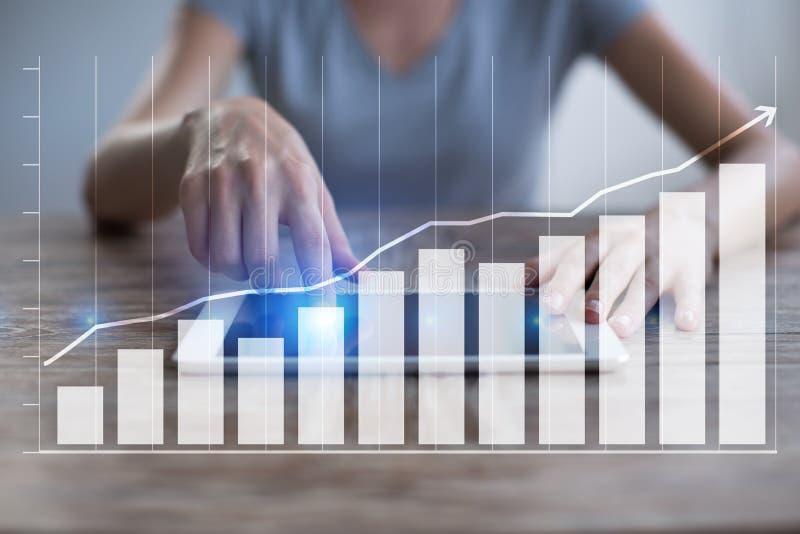 Diagram och grafer Affärsstrategi, dataanalys, finansiellt tillväxtbegrepp royaltyfri bild