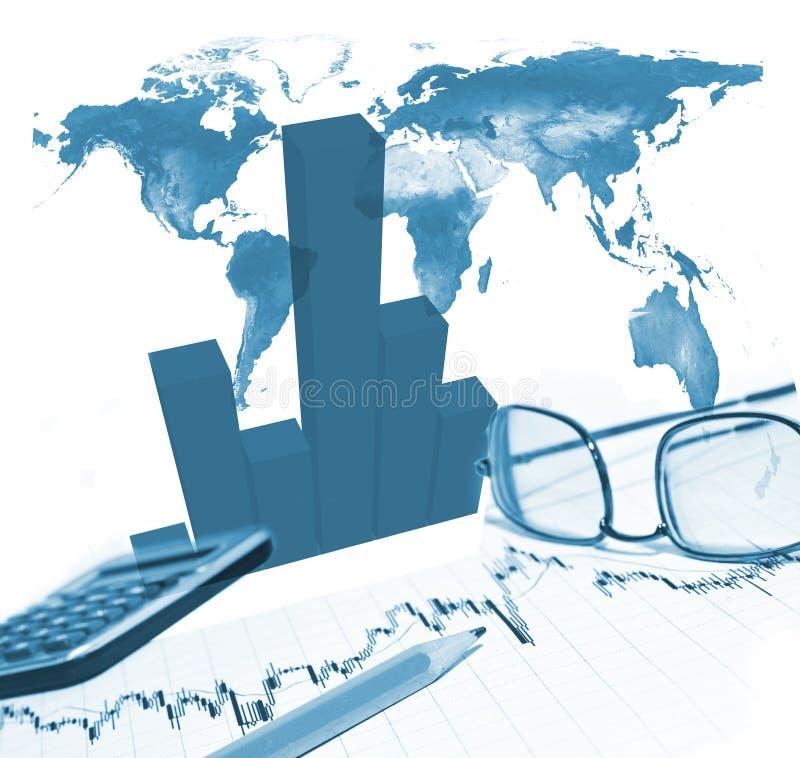 Diagramma e matita finanziari fotografia stock libera da diritti