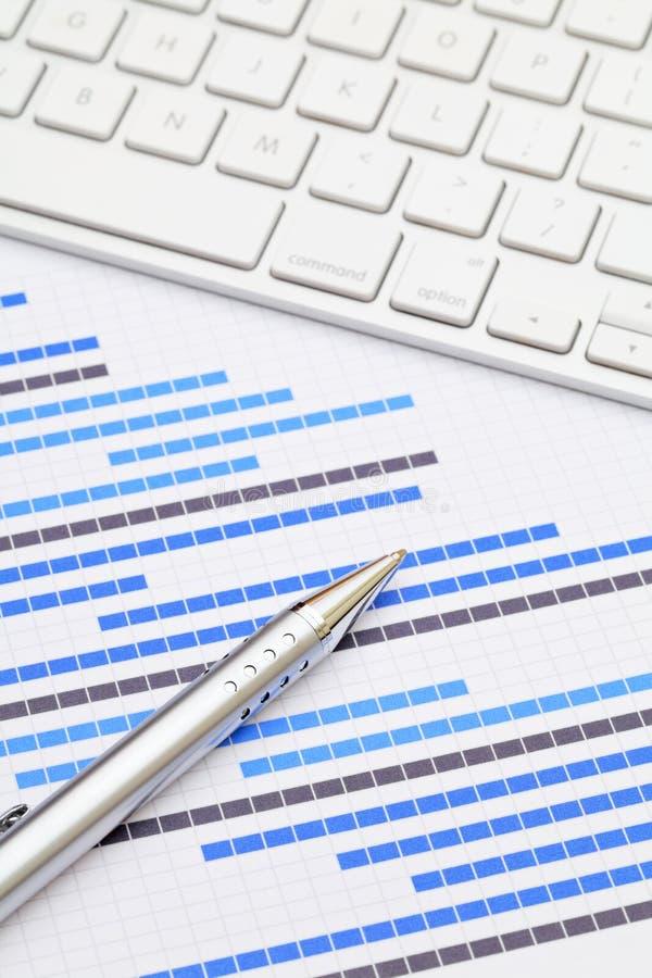 Diagramme et clavier numérique de Gantt photo libre de droits