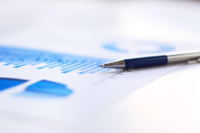 Diagramme financier d'affaires photos libres de droits