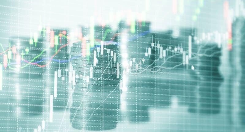 Diagrammes courants de pi?ces de monnaie Graphique de commerce de march? boursier et diagramme de chandelier Concept d'investisse images libres de droits