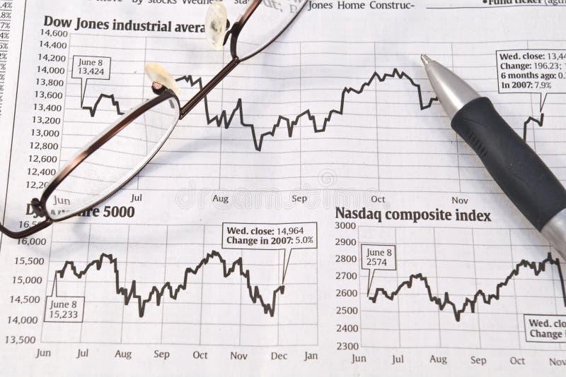 Diagrammi del mercato azionario fotografie stock libere da diritti