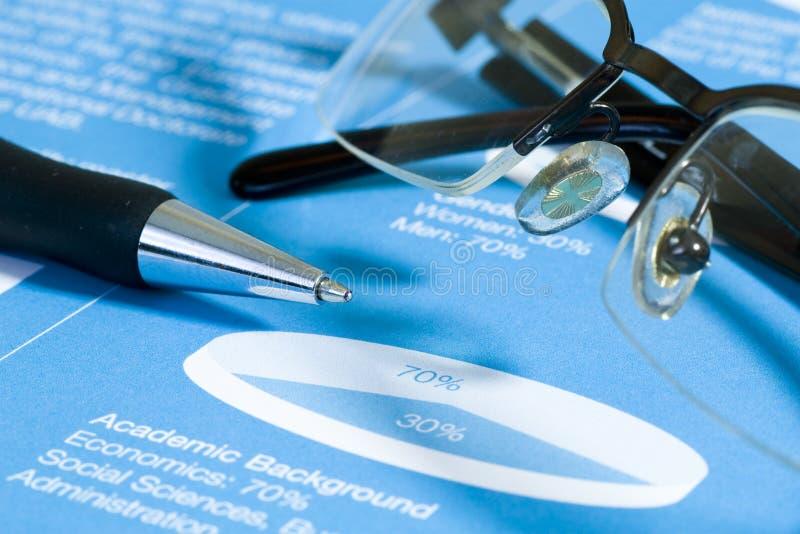 diagramspringbrunnexponeringsglas pen materielet fotografering för bildbyråer