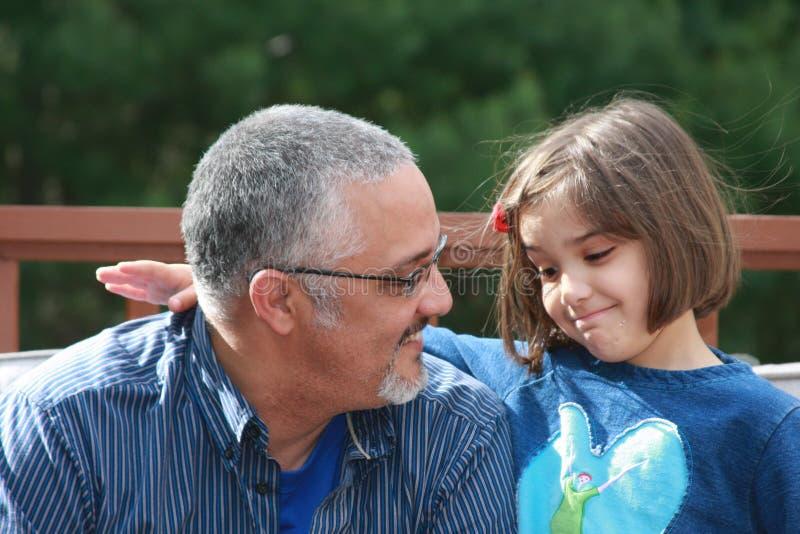 Dialogo con il papà fotografia stock libera da diritti