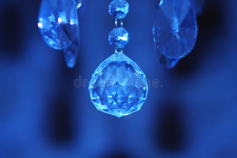 Diamant à l'arrière-plan de l'Ultramarines photo stock