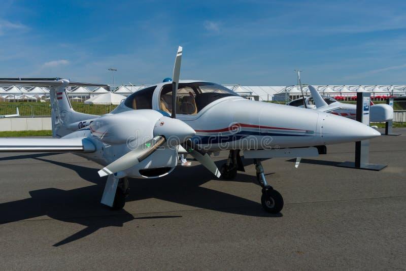 Diamant DA42-VI d'avion image libre de droits