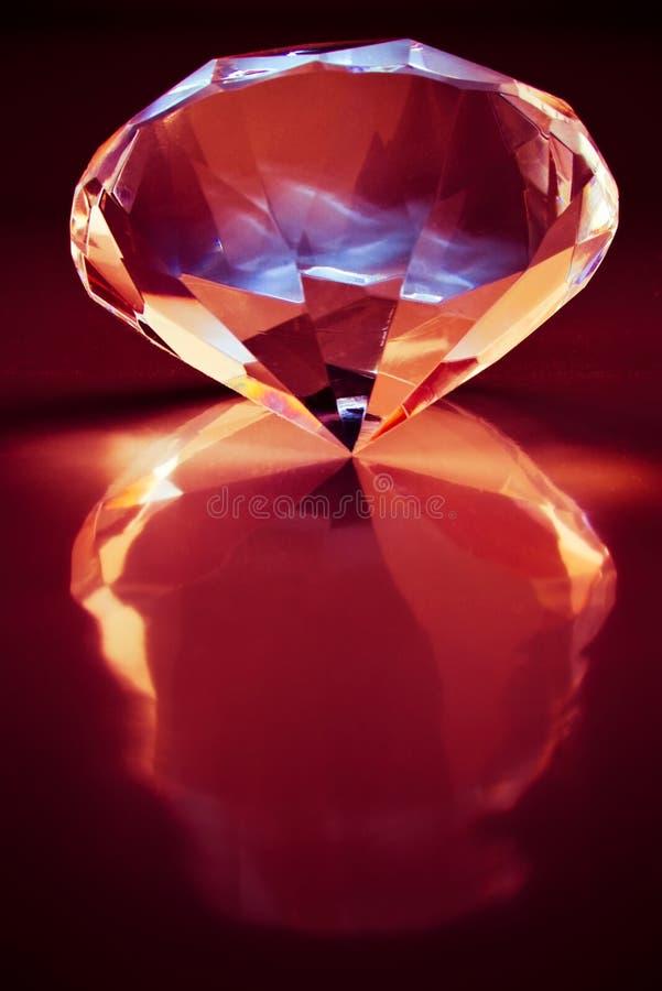 Diamant mit Reflexion stockbilder