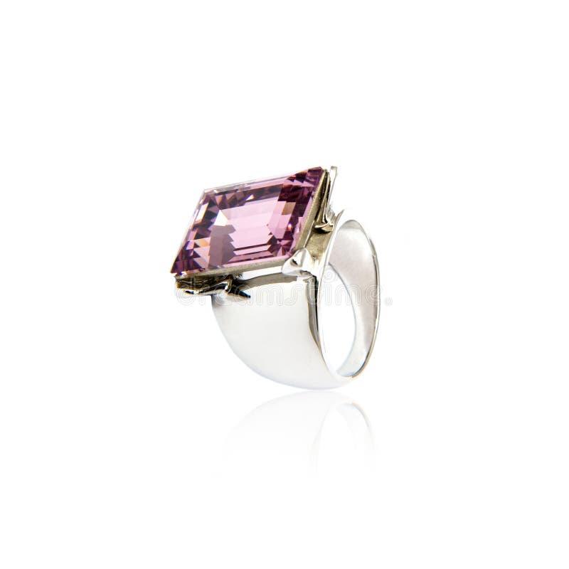 Diamant-Ring getrennt auf Weiß stockbilder