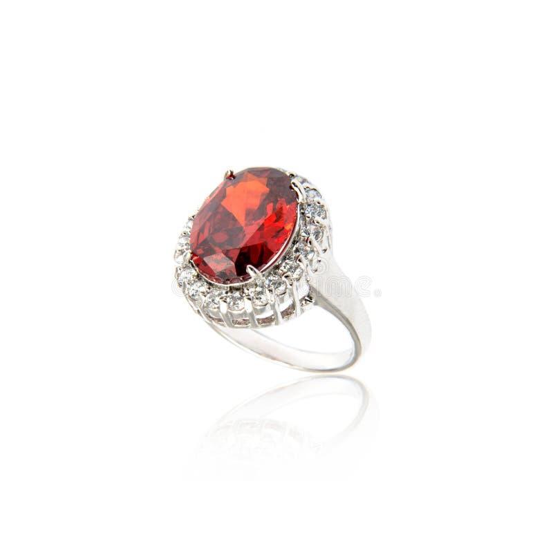 Diamant-Ring getrennt auf Weiß stockbild