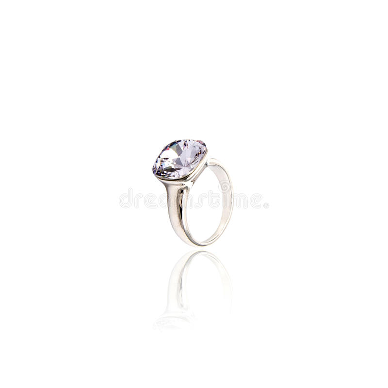 Diamant-Ring getrennt auf Weiß lizenzfreies stockbild