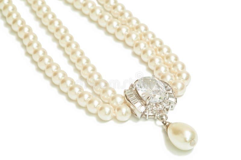 Diamant- und Perlenhalskette lizenzfreies stockbild