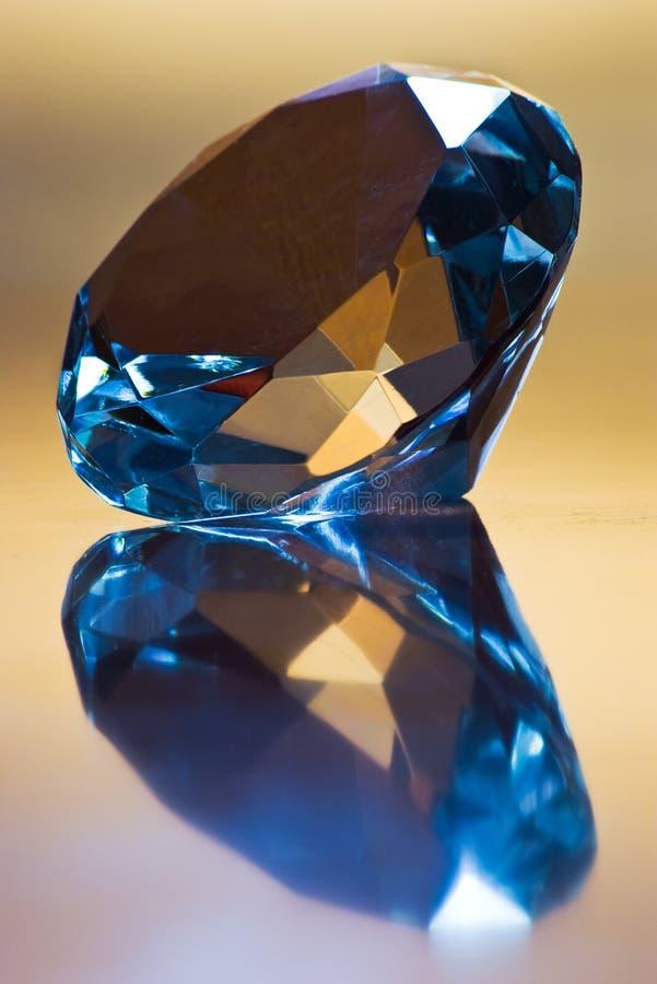 Diamant und Reflexion lizenzfreies stockfoto