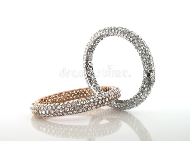 Diamantausschnitt und Schmuckherstellung stockfotos