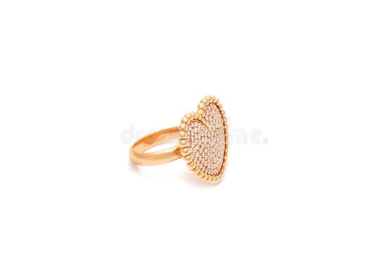 Diamantcirkel som isoleras p? vit bakgrund Cirkel med diamanter i form av hj?rta Lyxiga smycken, gul guld royaltyfri fotografi