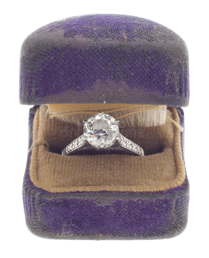 Diamante antigo de 1920 em caixa gasta do anel foto de stock