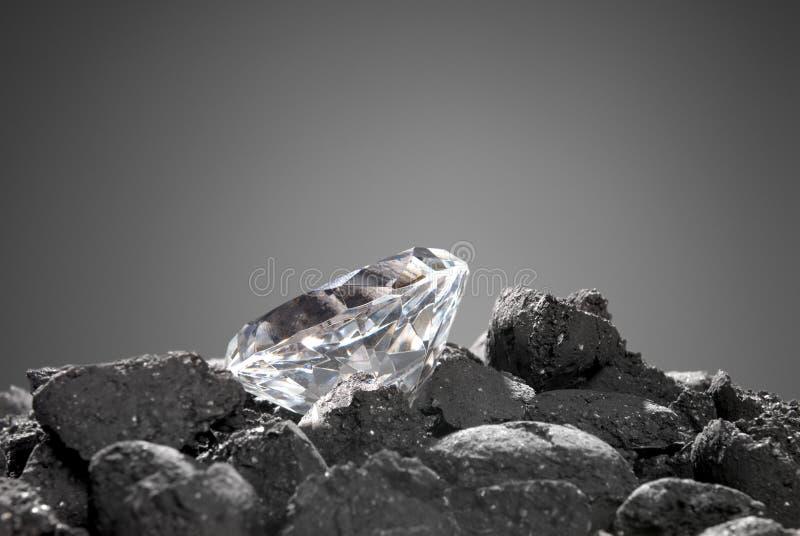Diamante en el áspero imagenes de archivo