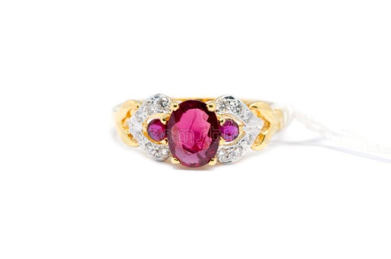 Diamante rosa con l'anello bianco di oro e del diamante fotografia stock libera da diritti