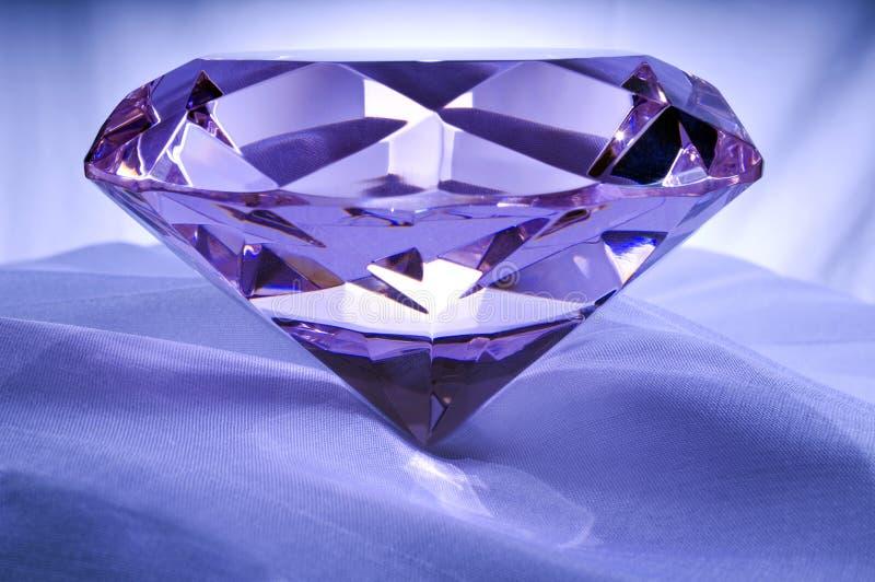 Diamante su raso immagini stock libere da diritti