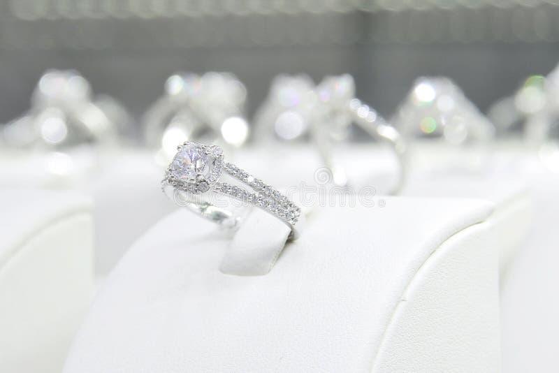 Diamanten ringer royaltyfri foto