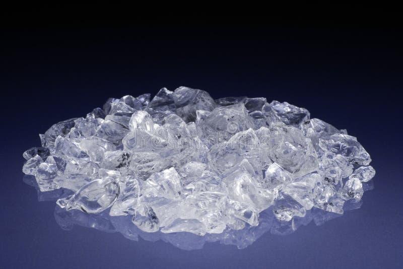 Diamantes o cristales sin cortar foto de archivo