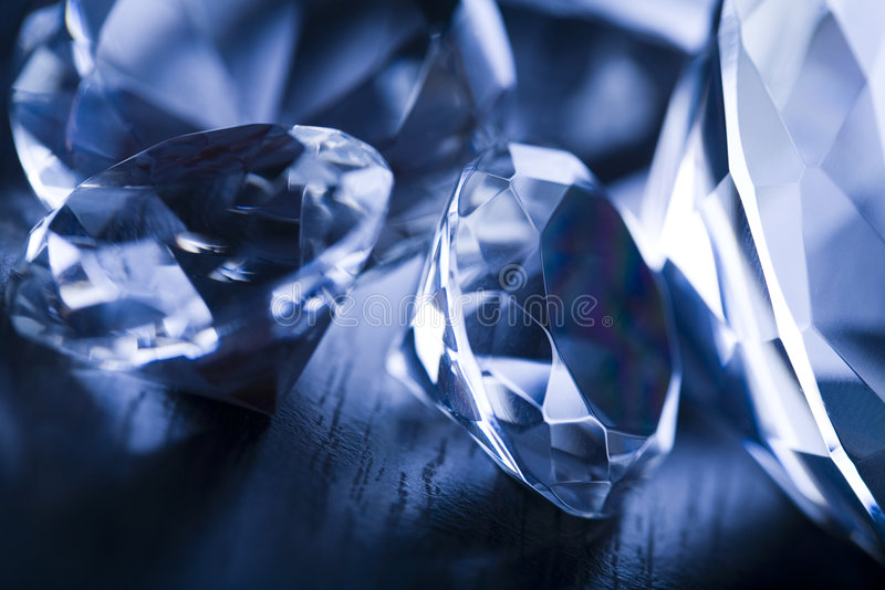 Diamantes - presente precioso fotos de stock royalty free