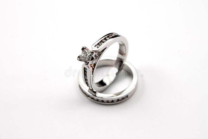 diamantförlovningsringar arkivfoto