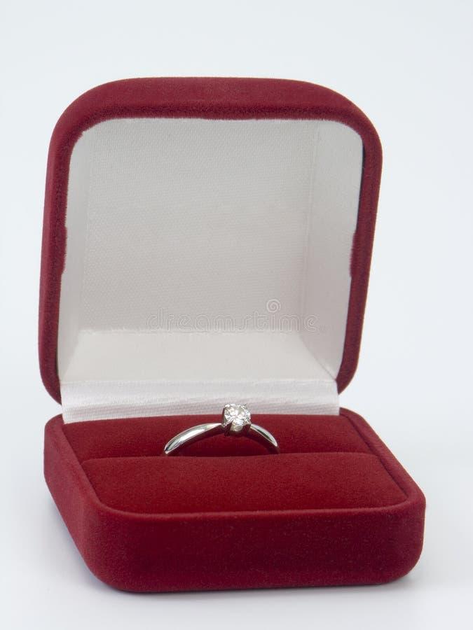 Diamantring Valentinsgrußtagesgeschenk lizenzfreies stockbild