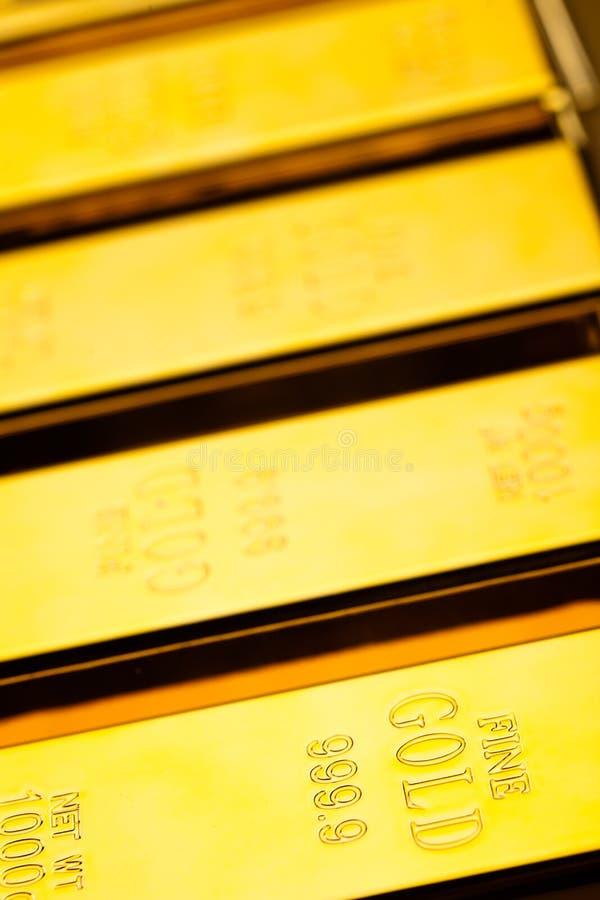 Diament i złoto, nastrojowy pieniężny pojęcie obrazy stock