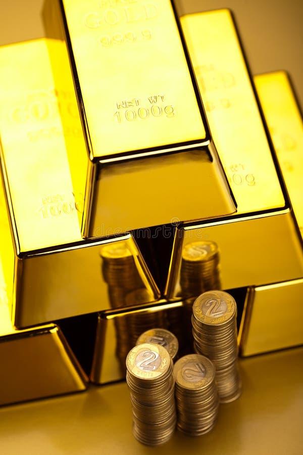 Diament i złoto, nastrojowy pieniężny pojęcie obraz stock