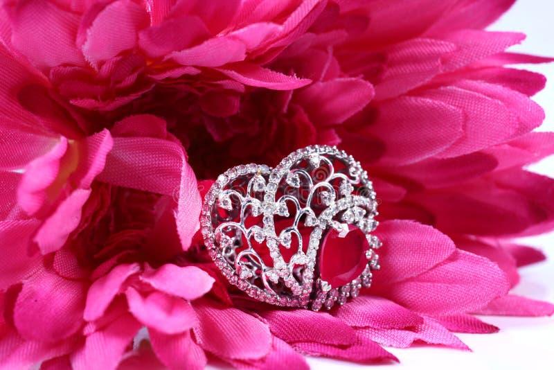 Diamentowa obrączka ślubna zdjęcia stock