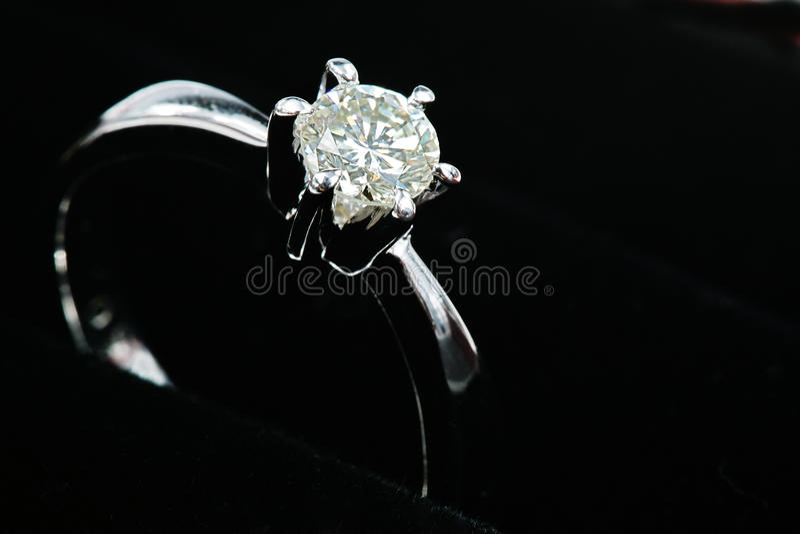 diamentowego pierścionku srebro obraz stock