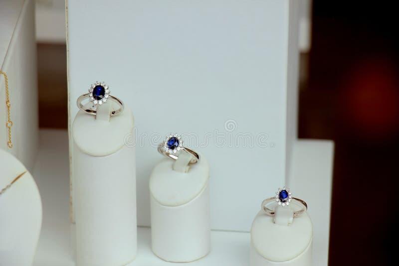 Diamentowi pierścionki zaręczynowi fotografia stock