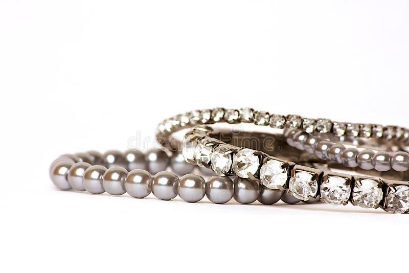 Diamenty & Perl jewellery na biały tle zdjęcia royalty free