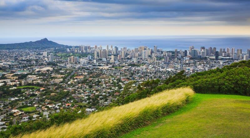 Diamond Head en de Stad van Honolulu royalty-vrije stock foto's