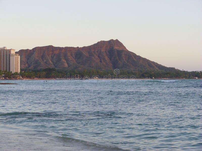 Diamond Head et océan hawaïen photo libre de droits