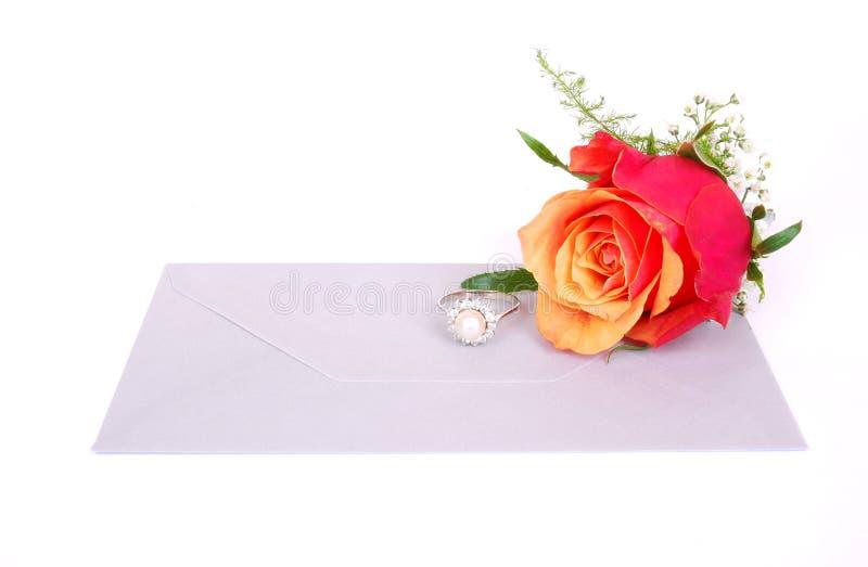 diamond letter red ring rose стоковые изображения rf