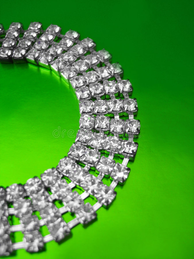 Free Diamond Necklace Royalty Free Stock Images - 3512309