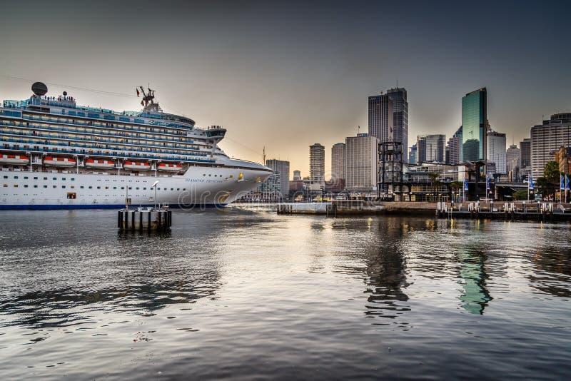 Diamond Princess em Sydney fotografia de stock royalty free