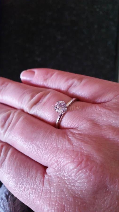 Diamond Ring lizenzfreie stockfotos