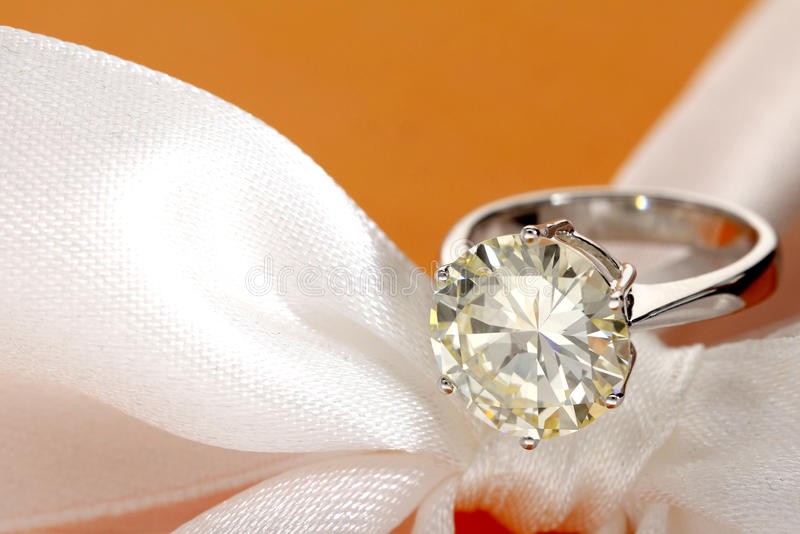 Diamond Ring lizenzfreies stockfoto