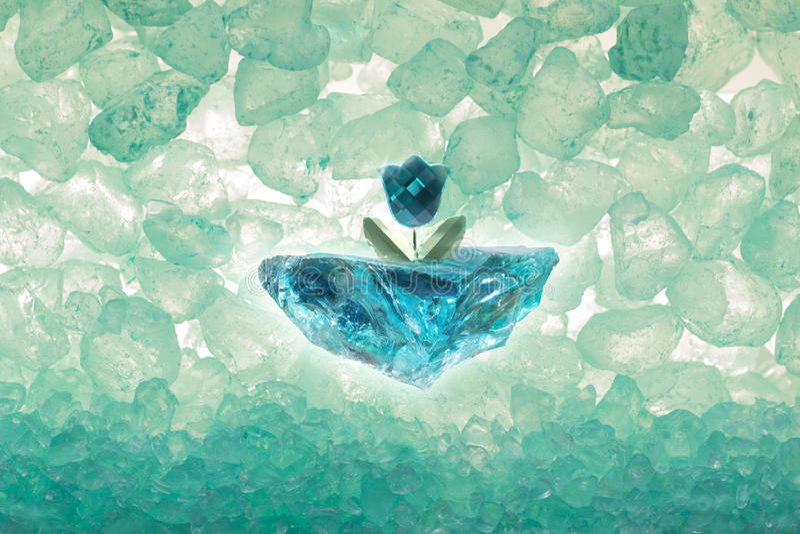 Diamond Tulip mit Eis-Stücken lizenzfreies stockfoto