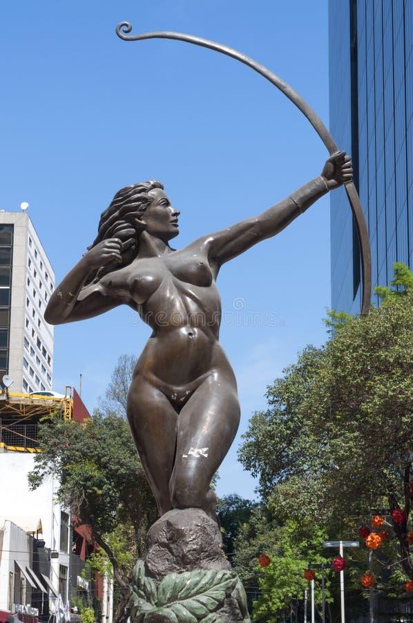 Diana het standbeeld van het Jagersbrons in Mexico-City stock foto's