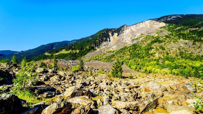 Diapositiva de la esperanza a lo largo de la carretera 3 en Columbia Británica imagen de archivo libre de regalías