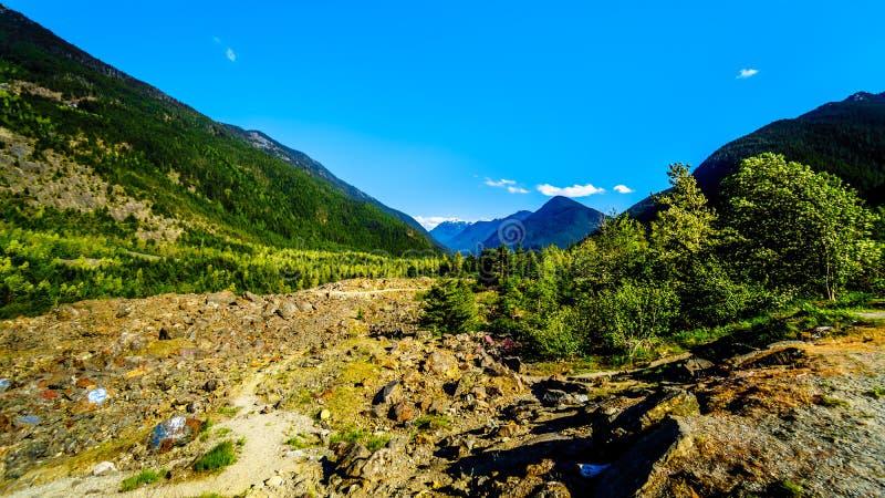 Diapositiva de la esperanza a lo largo de la carretera 3 en Columbia Británica fotos de archivo libres de regalías