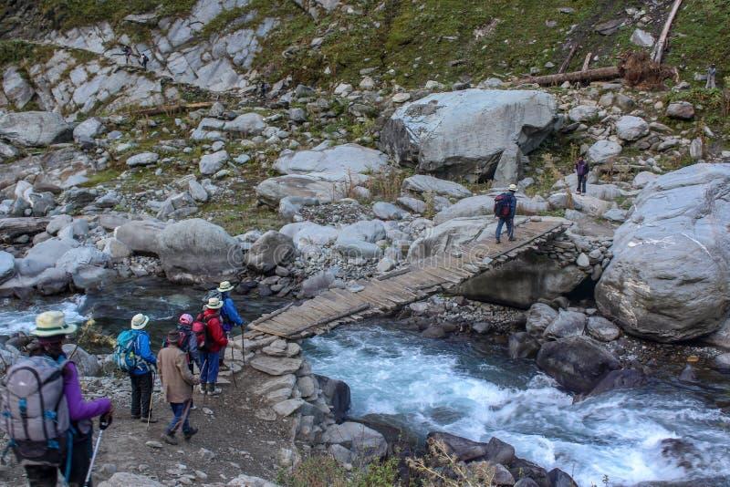 Diari di trekking nelle montagne di Himachal Pradesh, India immagine stock libera da diritti