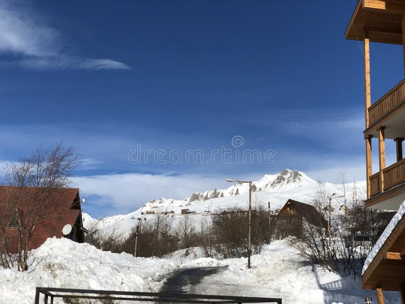 Diarios del viaje de Georgia del gudauri de la montaña de la nieve imagen de archivo