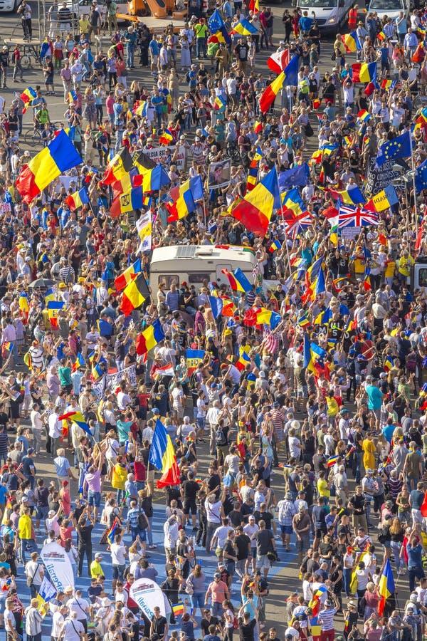 Diaspora protestieren in Bukarest gegen die Regierung stockfoto