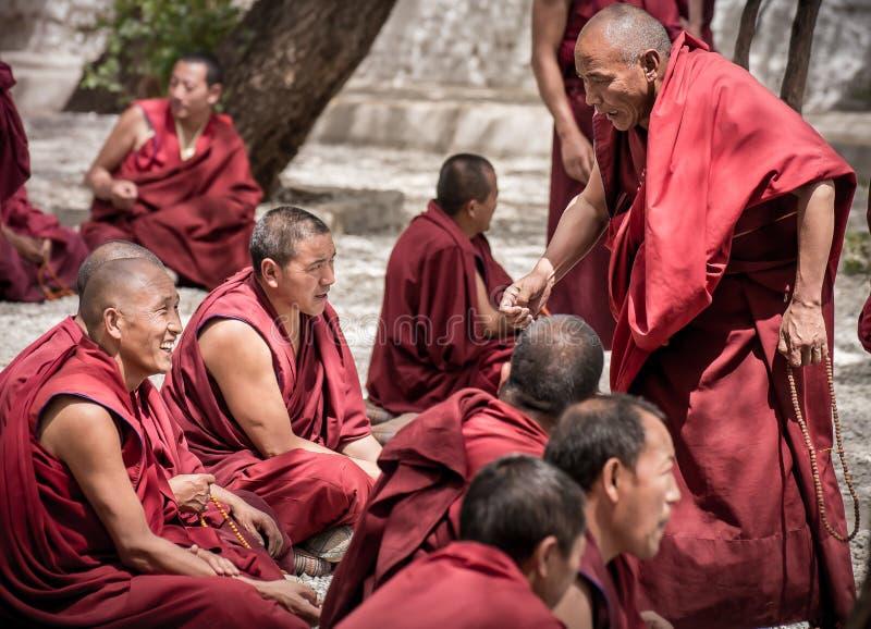 Dibattito dei monaci immagine stock libera da diritti