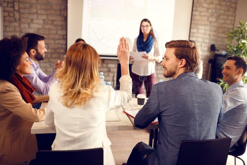 Dibattito sul seminario di affari immagine stock