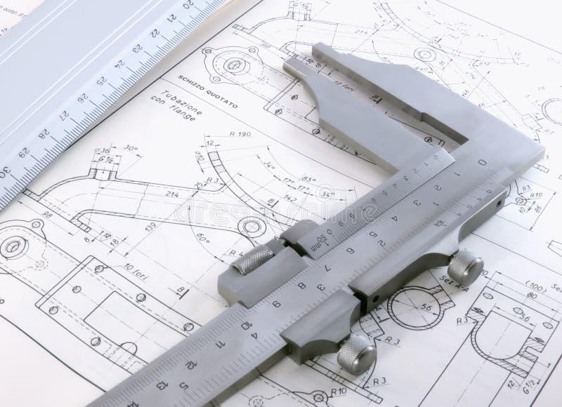 Dibujo técnico con calibre y la regla fotografía de archivo libre de regalías